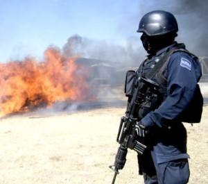 cuanto gana un policia federal al mes